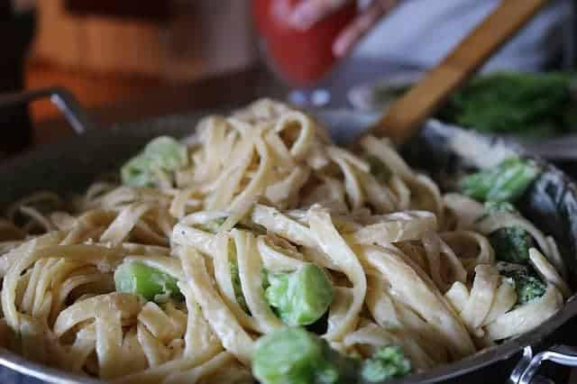 Chicken Broccoli Alfredo: Gluten-free freezer meal